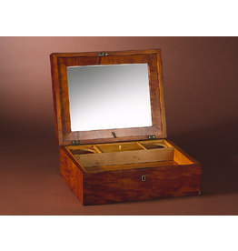 MANKS ANTIQUES LARGE SATIN BIRCH BOX WITH KEY-SHAVING KIT