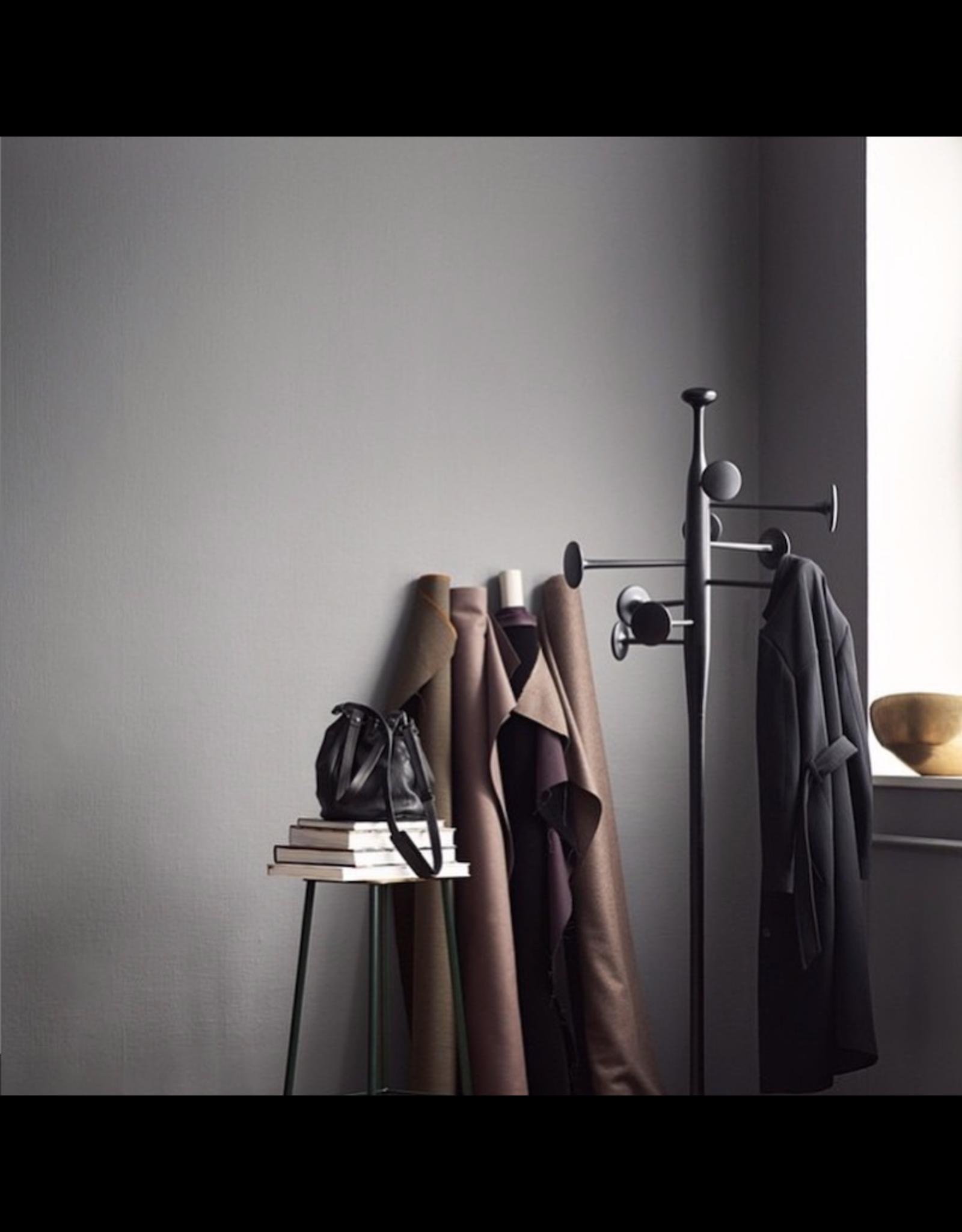 TRUMPET 黑色環保鋁製衣帽架