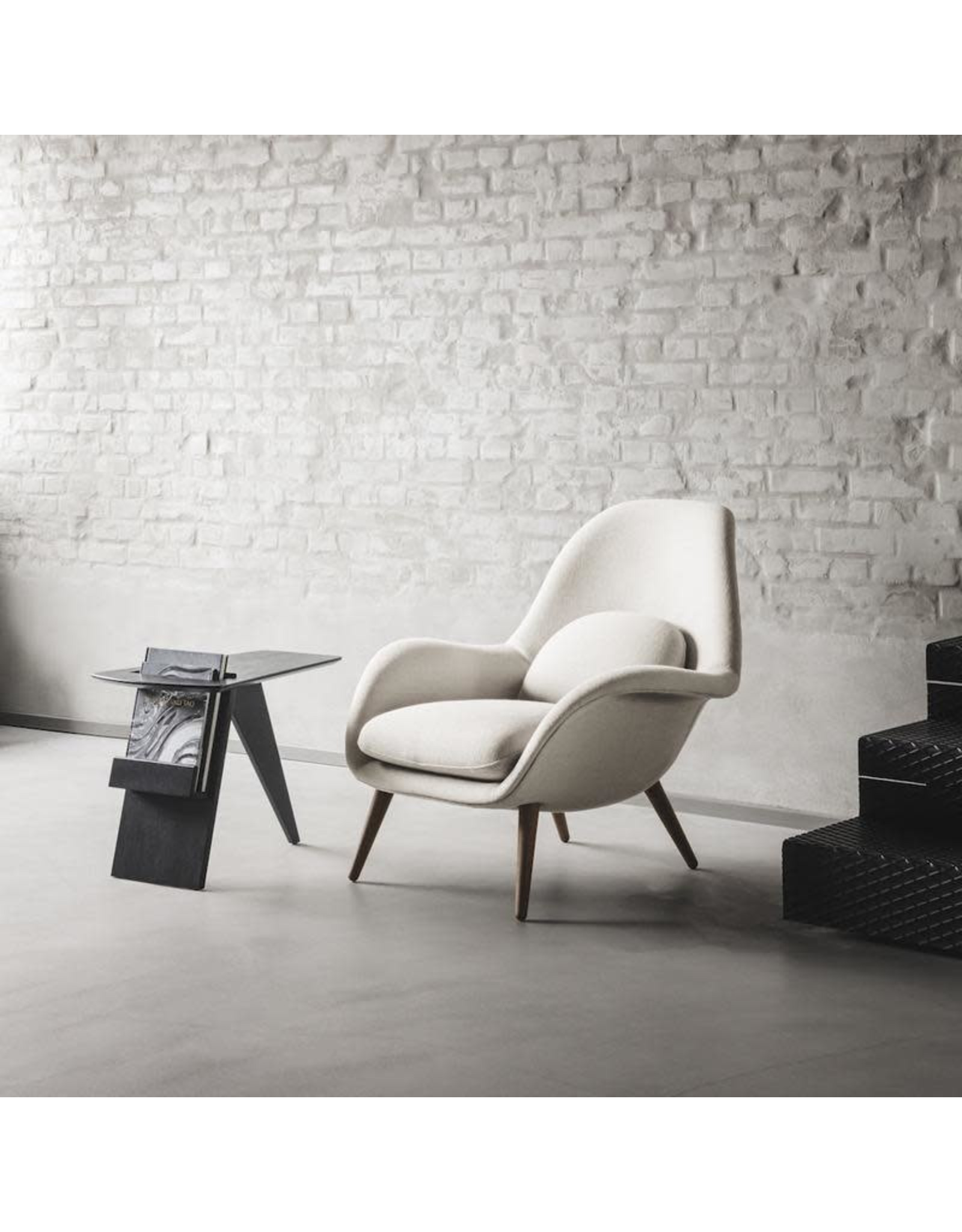 1770 SWOON LOUNGE CHAIR