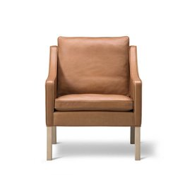 FREDERICIA 2207 胡桃木色真皮休閒椅