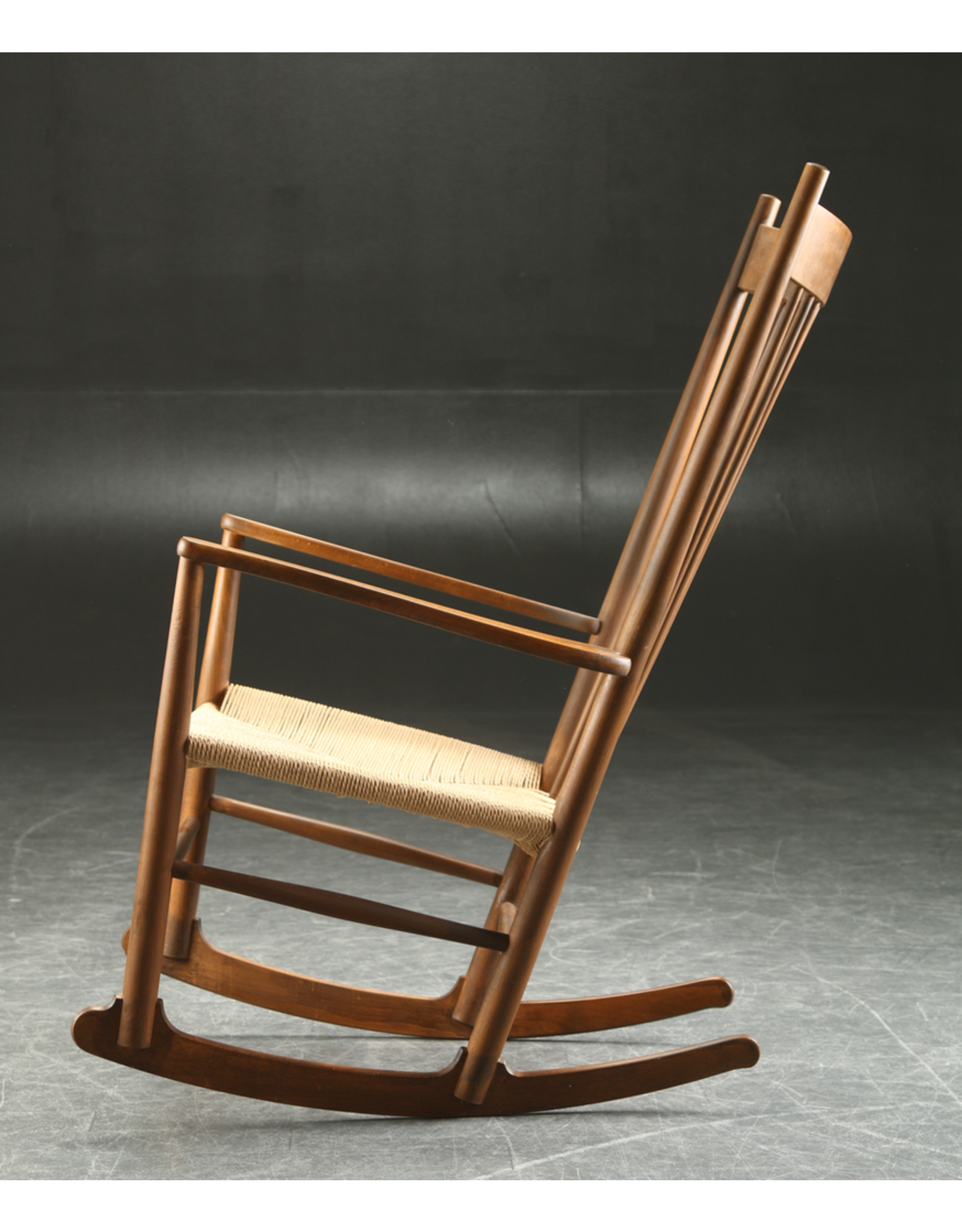 FREDERICIA J16 75TH ANNIVERSARY ROCKING CHAIR IN WALNUT