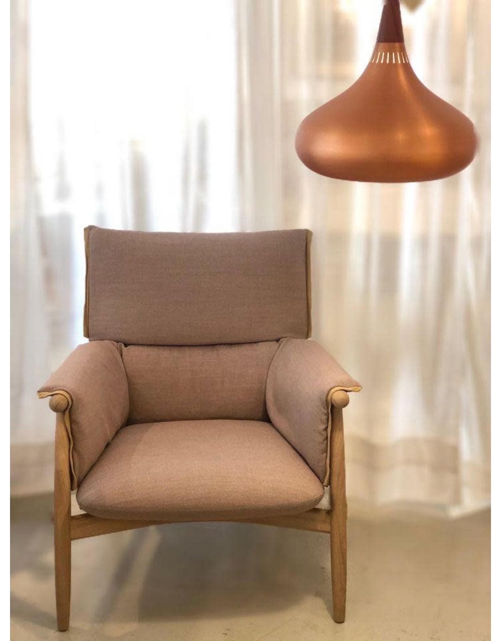 E015 EMBRACE 休閒椅
