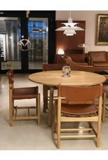 FREDERICIA TARO ROUND DINING TABLE