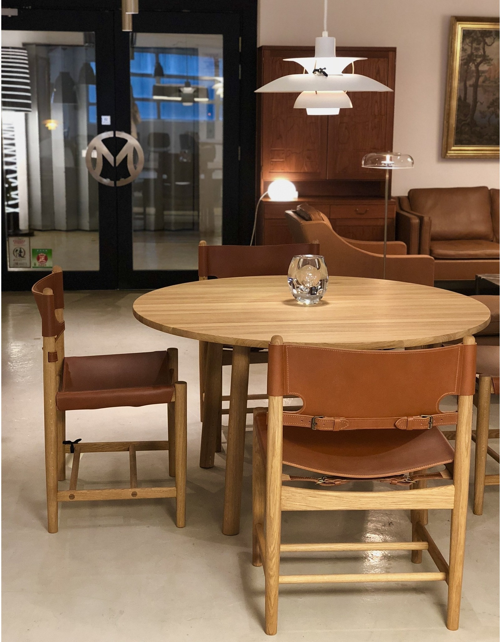 FREDERICIA 6141 TARO 圓形餐桌