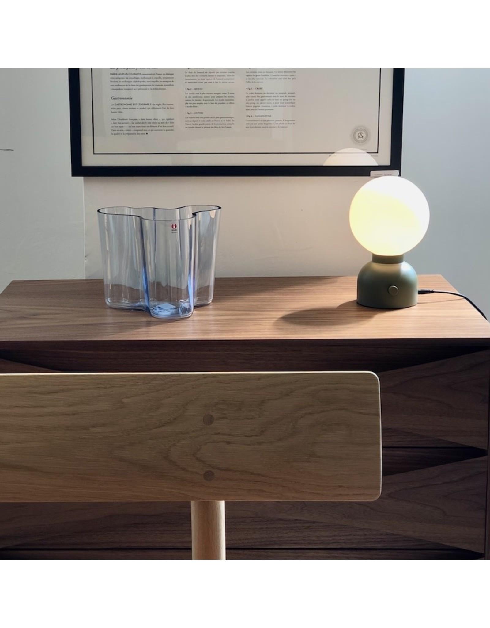 PLUGGIE 檯燈