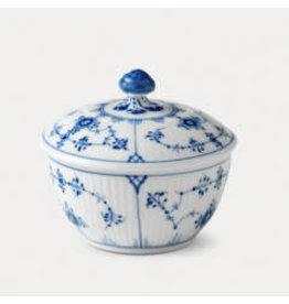 BLUE FLUTED PLAIN 平邊唐草有蓋糖果碗