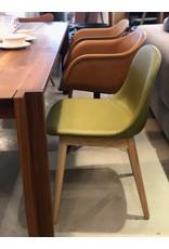 FIBER 蘆薈色皮革椅子