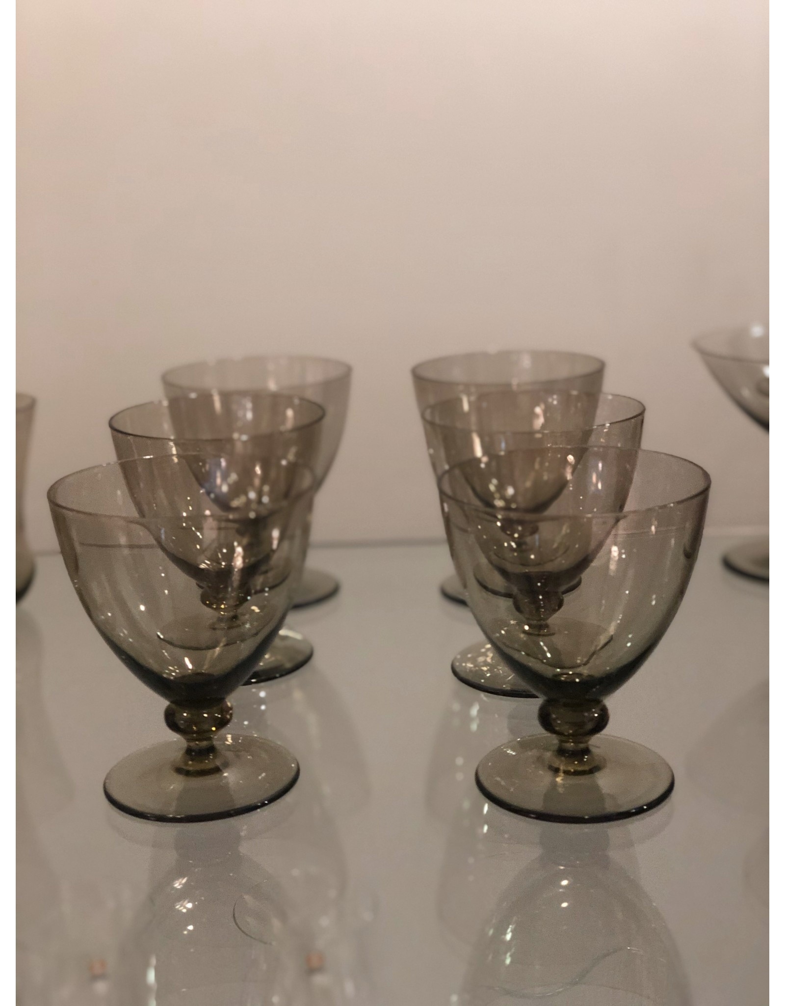 1930's SMOKED GLASS SERVICE FOR 6 PERSONS (24 PIECES)