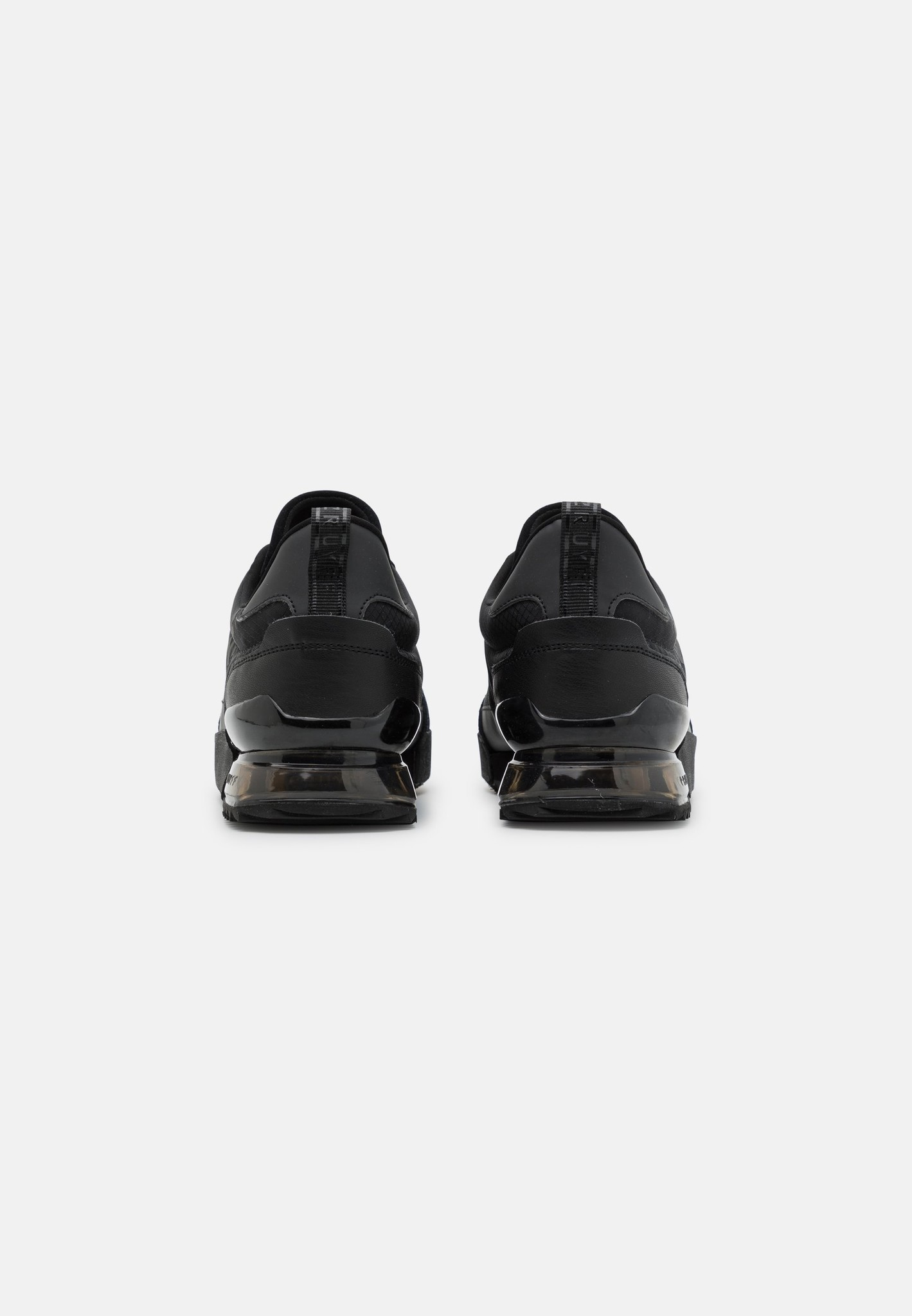 Cruyff Contra Black-3