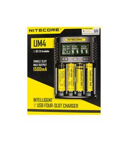 Nitecore UM4 charger