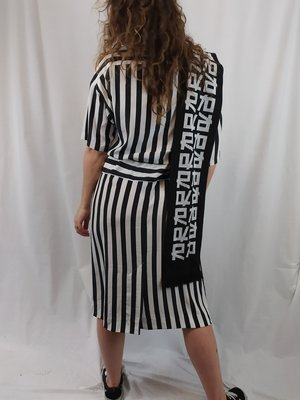 Carriage court Oversized dress - black white striped
