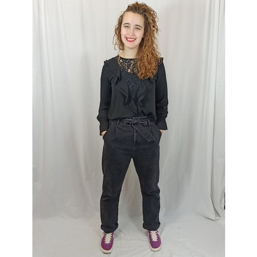 NA-KD Denim mom jeans - zwart strikriem (42)