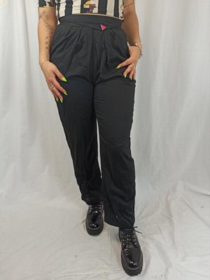 Zwarte pantalon - speld