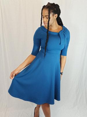 Chique boothals jurk - blauw