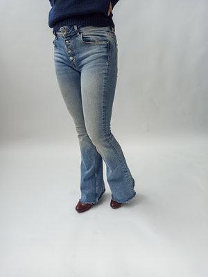 Zara Flaired light wash denim jeans