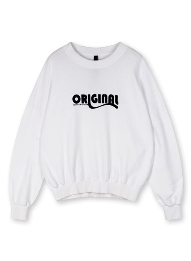 Seasonal sweater white