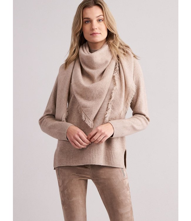 REPEAT cashmere Driehoekige cashmere shawl sand