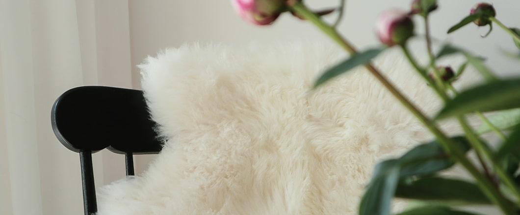 Weiße Schaffelle