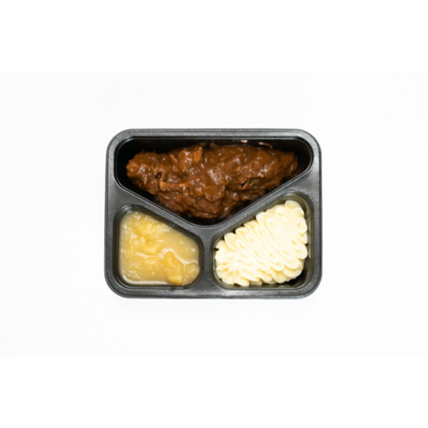 Stoofvlees met Appelmoes en Puree