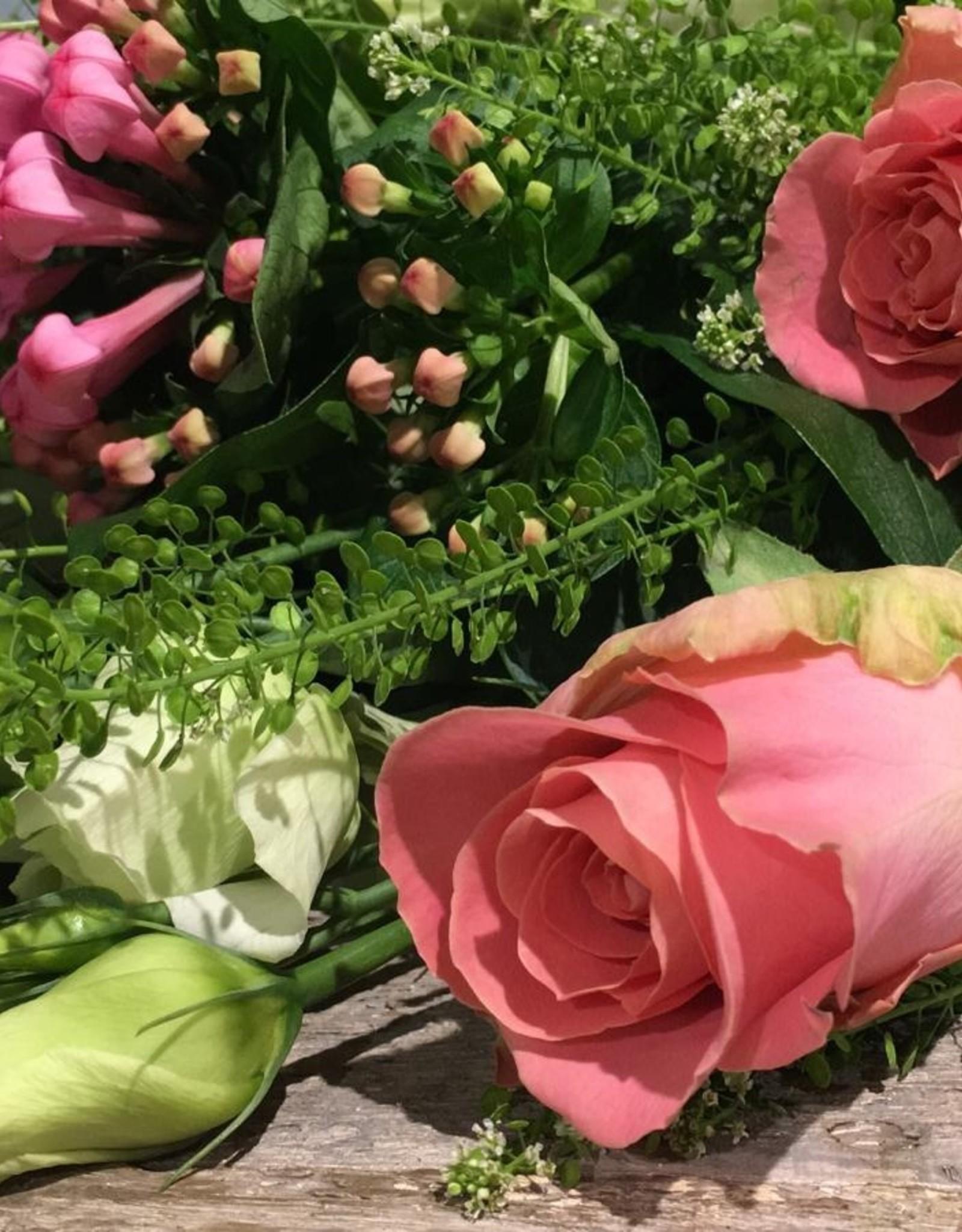 Rouwboeket roze, wit