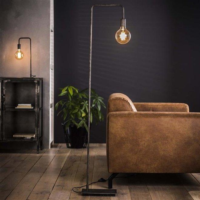 Vloerlamp Dordrecht met haakse hoek