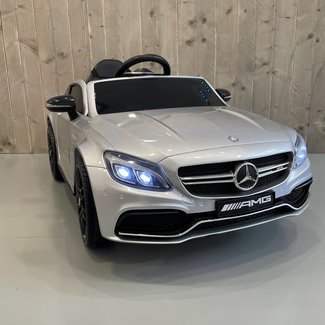 Mercedes-Benz Mercedes C63s AMG Grijs