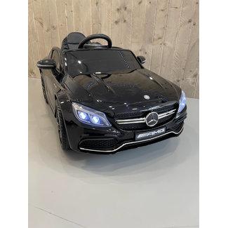 Mercedes-Benz Mercedes C63s AMG Zwart
