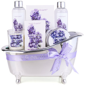 Body & Earth Geschenkset in grote badkuip - Lavendel Home Spa