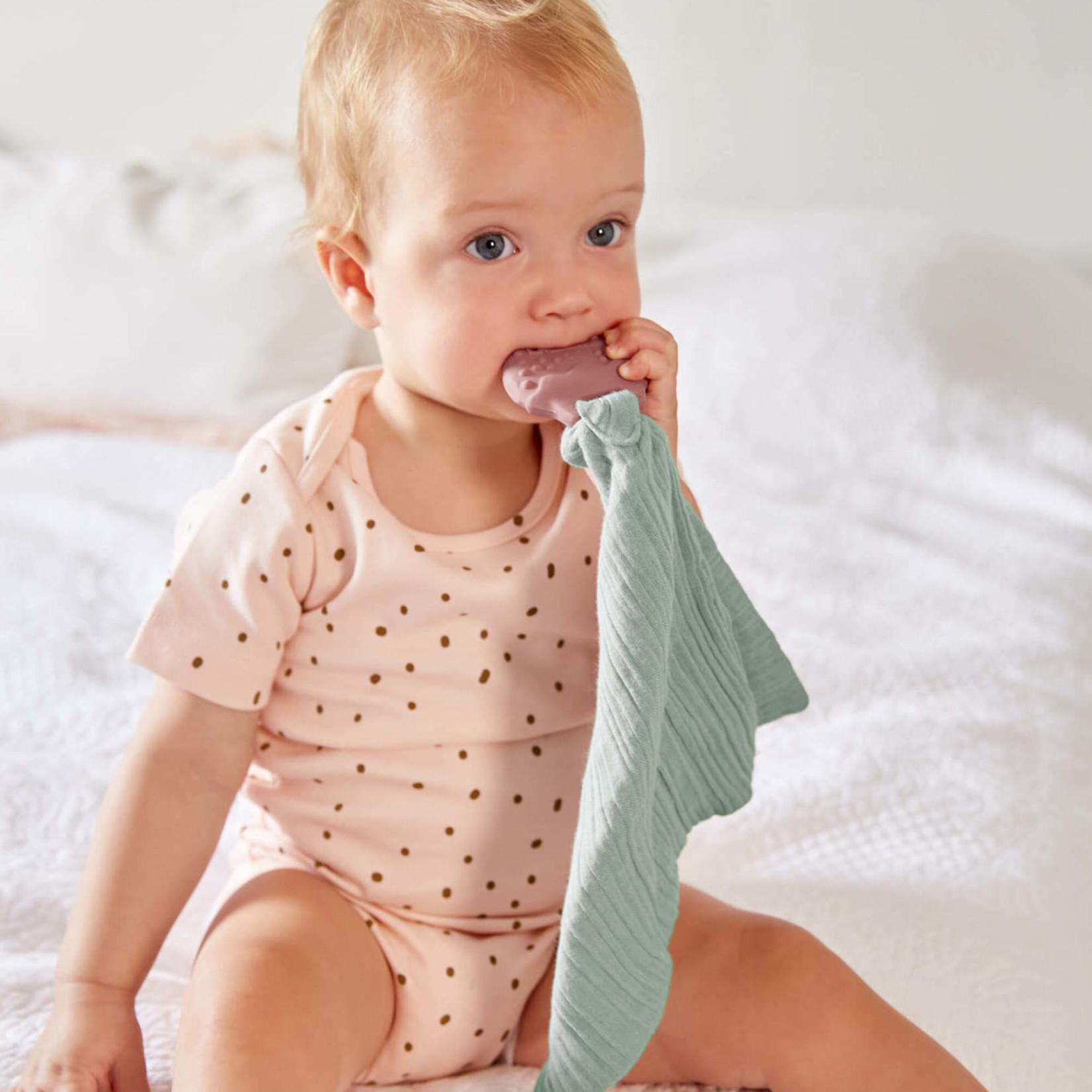 Lässig Teether/Comforter Natural Rubber Strawberry