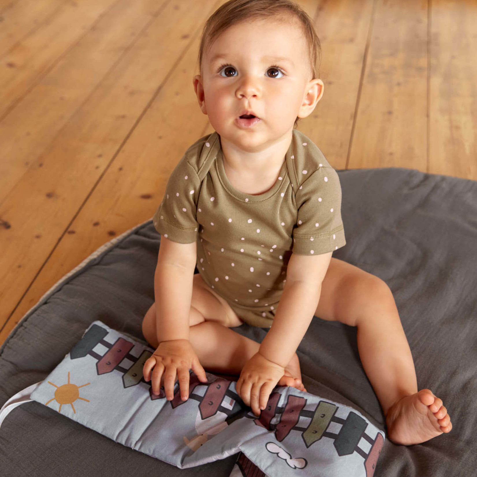 Lässig Activity Soft Toy Book Tiny Farmer