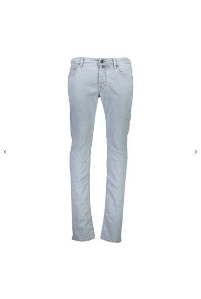 J622 Comf Jeans