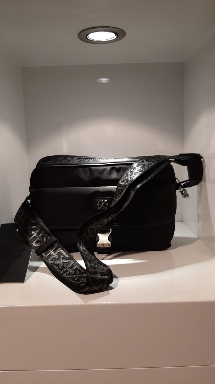 XPLCT Bag