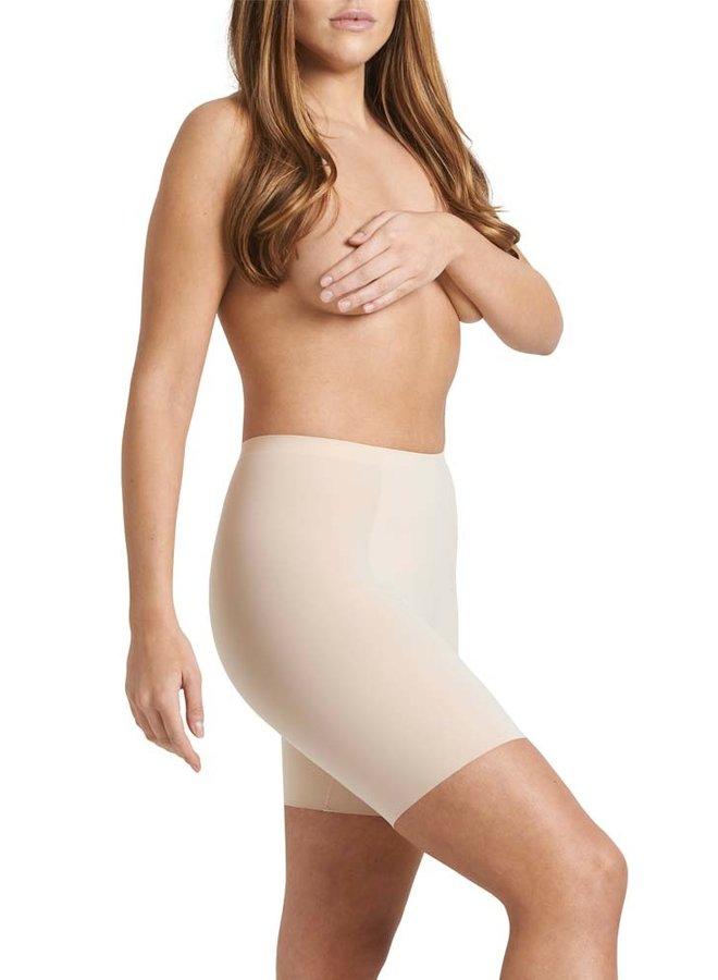 Sleek smoothing  short nude  - Nomi