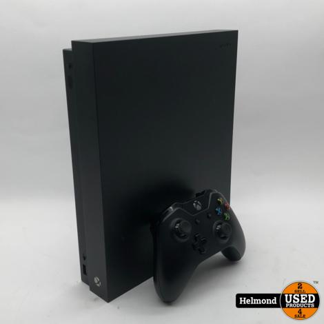 XBOX One X 1TB Black   in een nette staat
