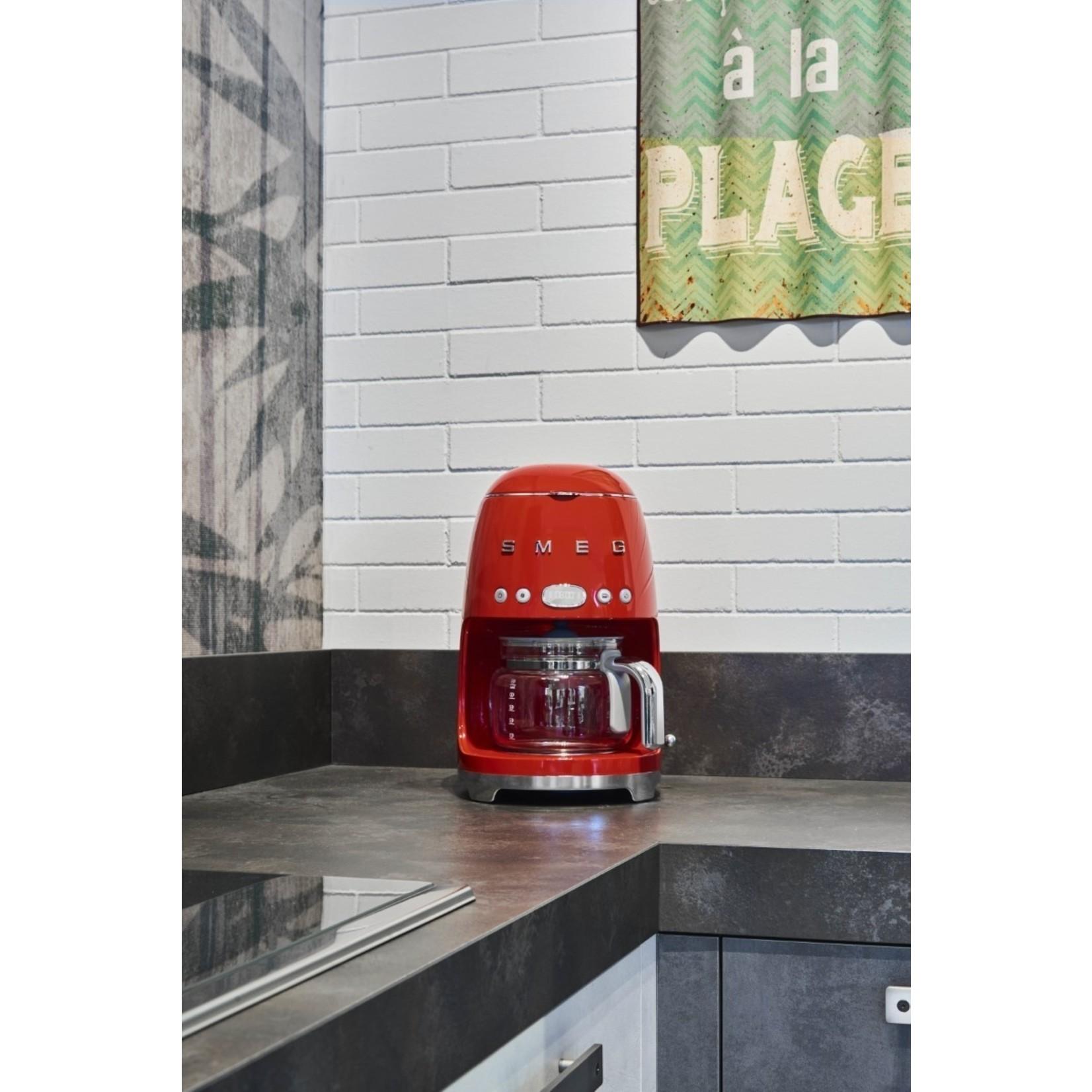 Smeg Smeg Koffiezetapparaat DCF02RDEU, rood