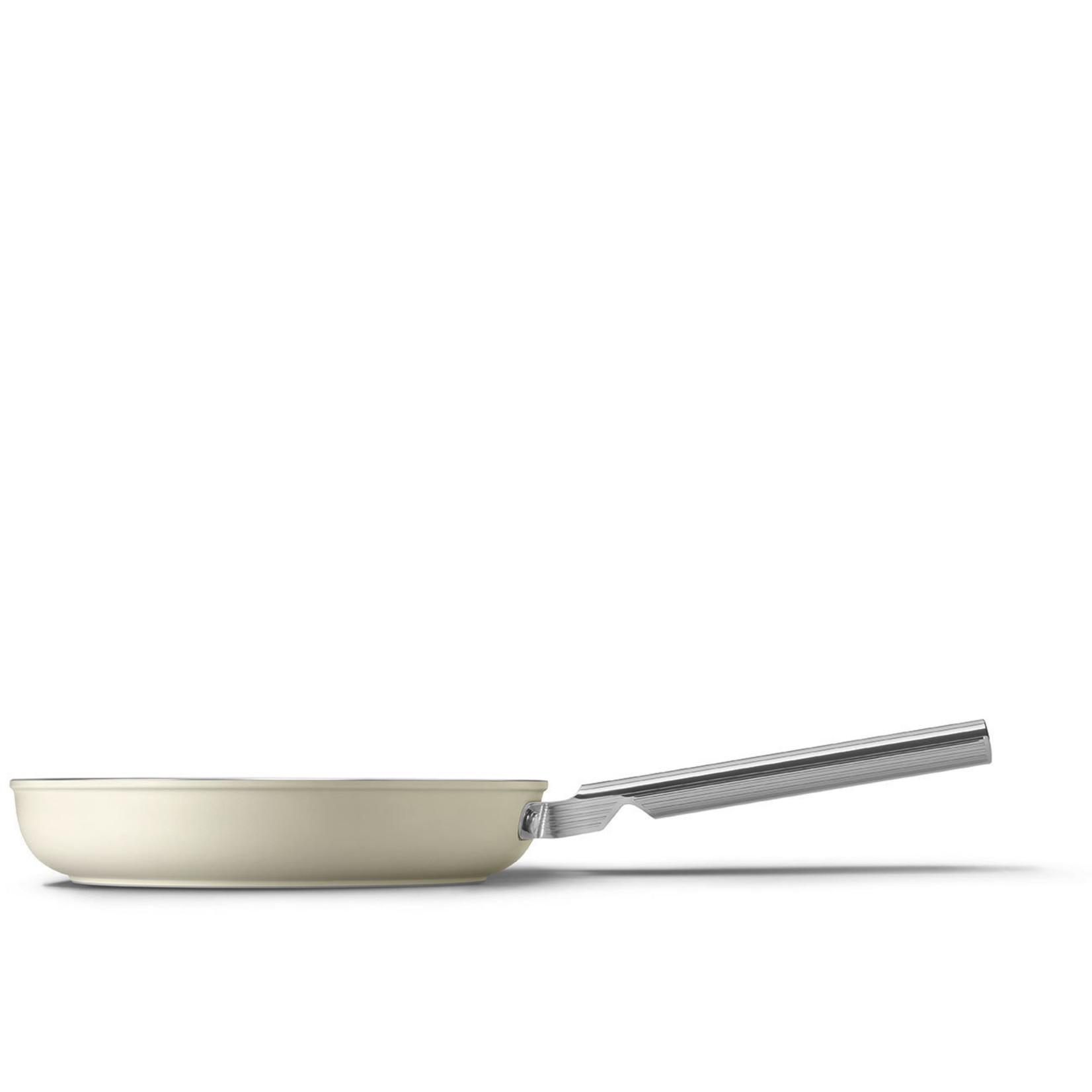 Smeg SMEG Koekenpan 28 cm, anti-aanbaklaag, crème mat