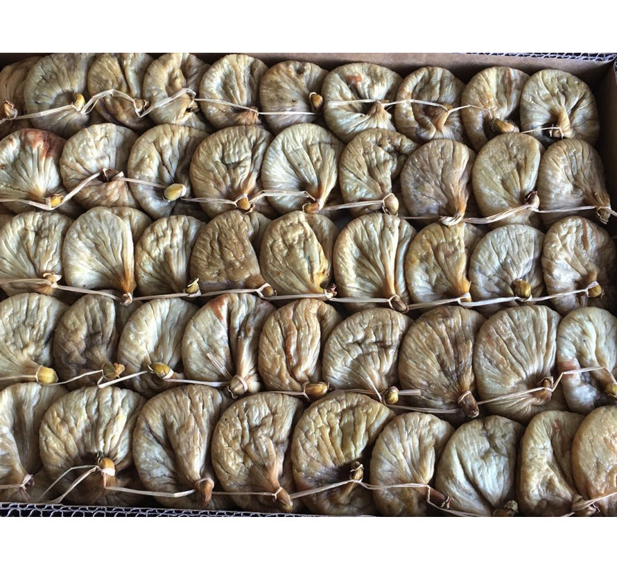 Dried tied figs from the mountains of Aydin