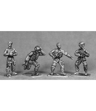 Empress Miniatures British Bail Out AFV Crew (BRIT19)