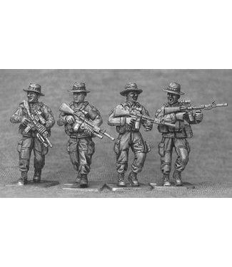 Empress Miniatures US Marines with Boonie Hats Patrolling (USMC1B)