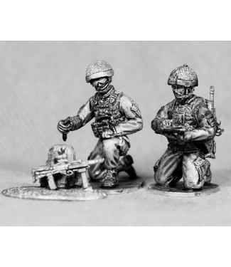 Empress Miniatures British Order Group with Radio (BRIT21)
