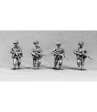 Empress Miniatures British Infantry Advancing (BAOR6)
