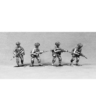 Empress Miniatures British Infantry Advancing (BAOR8)