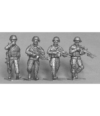 Empress Miniatures US Infantry Patrolling (US01)