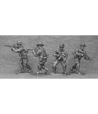 Empress Miniatures US Marines with Boonie Hats Advancing (USMC2B)