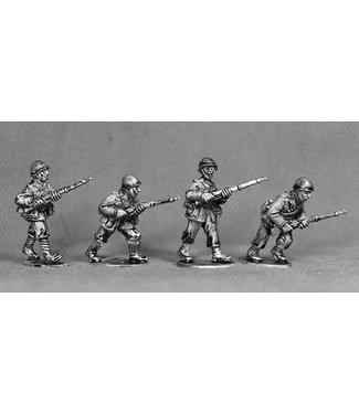 Empress Miniatures Italian Army Riflemen with Helmets Advancing (LIT06)