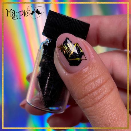Magpie Black LEAF