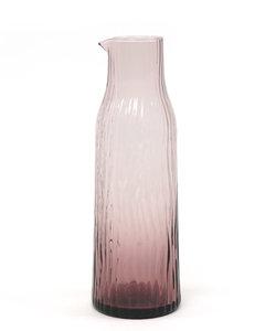 Carafe d'eau de couleur rose soufflé bouche
