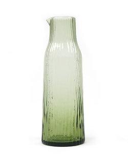 Carafe de couleur vert soufflé bouche