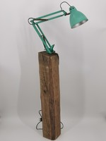 Werklamp op eikenvoet