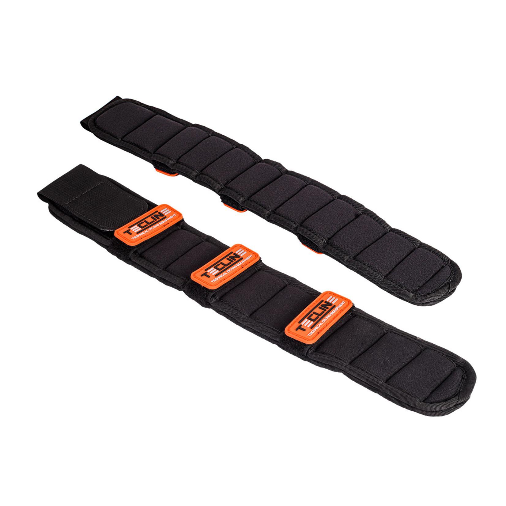 Tecline Shoulder pad with orange Tecline logo